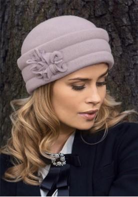 Kласическа дамска шапка пепел от рози Baria
