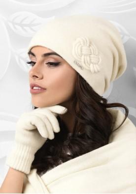 Бяла зимна шапка Bergamo