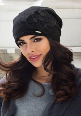 Черна зимна шапка Дария