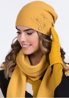Жълта зимна шапка Lilly