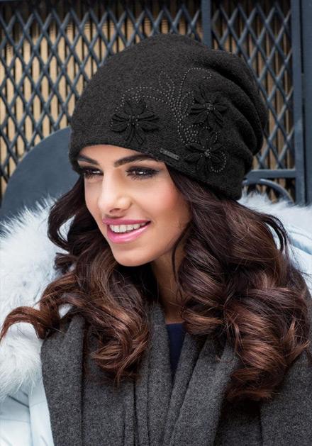 Черна зимна шапка Лукреция