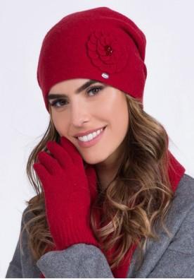 Червена шапка Megi