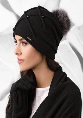 Черна шапка с пискюл Marsala