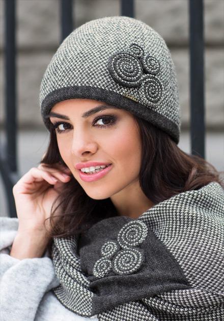Дамски комплект шал и шапка в сиво Силвия