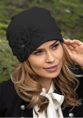 Черна зимна шапка Zikana