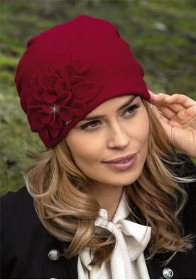 Красива шапка в бордо Ziakana