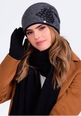 Изискан комплект от шал, шапка и ръкавици в черно Delta - марка Kamea