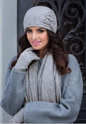 Елегантен комплект от шапка и шал в светло сиво марка Kamea-модел Лаура