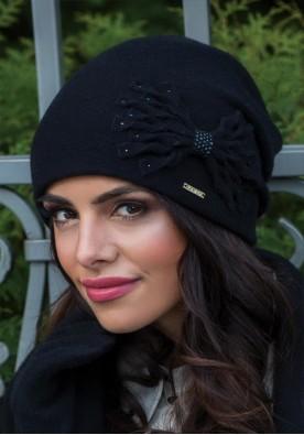 Черна шапка Лена