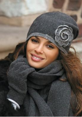 Елегантна  сива зимна шапка Пепита