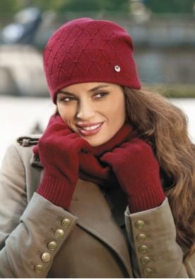 Червена дамска зимна шапка Rafaela