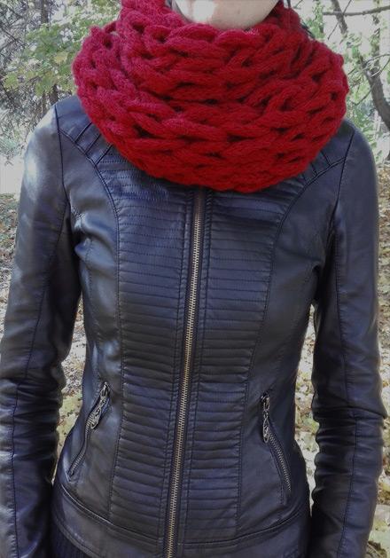 Червен дамски шал Бианка