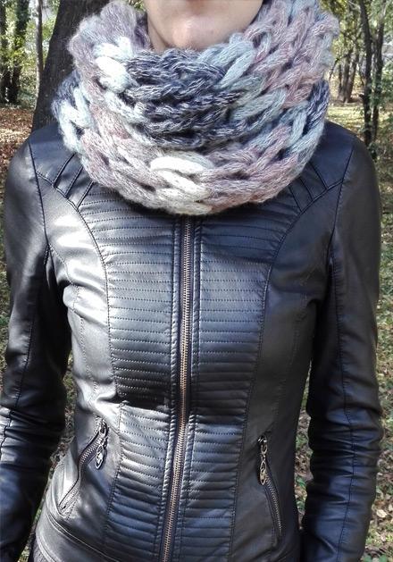 Кръгъл плетен шал Дея