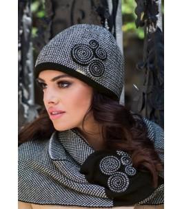 Черна зимна шапка Силвия