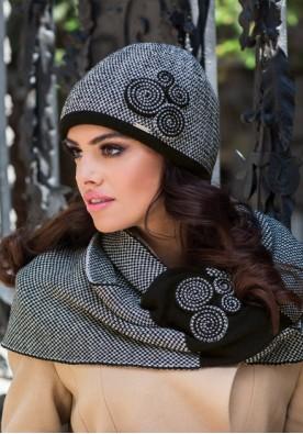 Комплект шал и шапка в черно Силвия