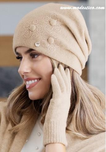 Разкошна шапка в цвят карамел Izolde
