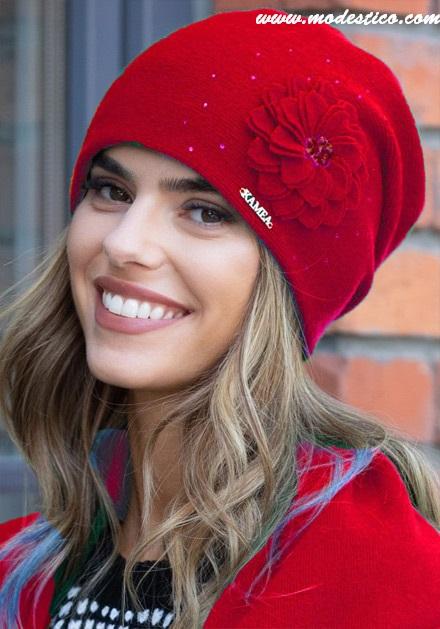 Червена шапка Leonia