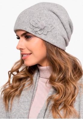 Дамски комплект от шал, шапка и ръкавици в светло сиво Nora