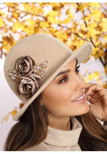 Шармантна дамска  зимна филцова шапка в бежово Oreas