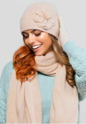 Комплект шапка, шал и ръкавици  в бежово марка Kamea-модел Marbella